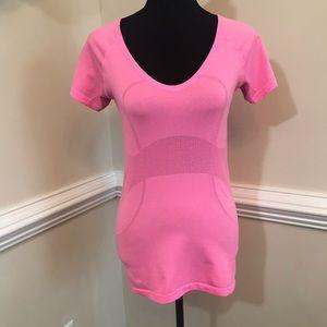 EUC Lululemon V Neck Tee Pink Size 6